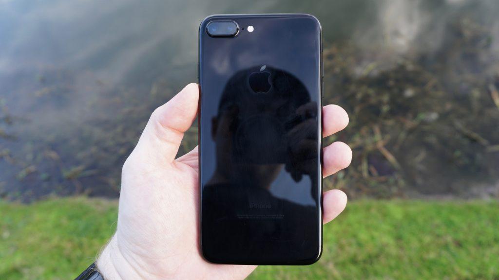 iphone-7-plus-jet-black-2