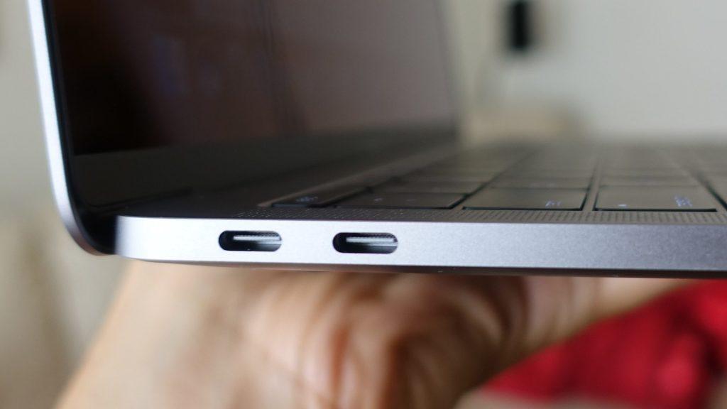 macbook-pro-2-thunderbolt-ports